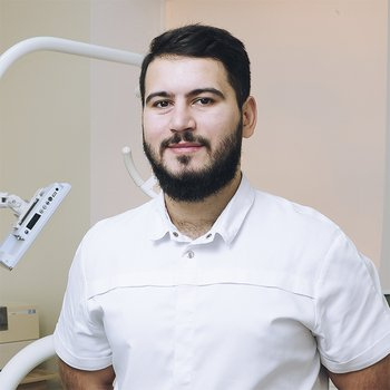 Врач стоматолог Абрамян Гурген Левонович