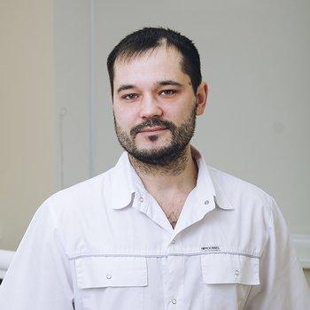 Врач стоматолог Горячкин Денис Анатольевич