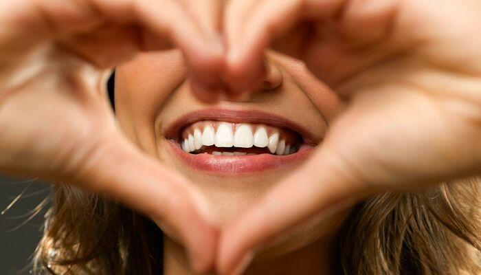 Отбеливание зубов Zoom 4 в Оренбурге